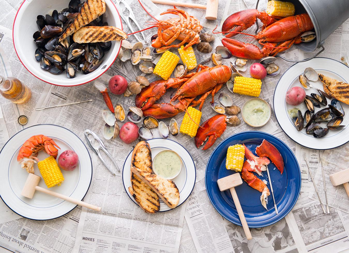 clam bakes 조개 구이 happen in the summer 여름 on the beach ...