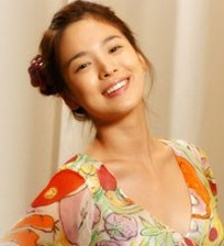 korean_actress_Song_Hye_Gyo_she_wearing_the_dress_from_a_popular_korean_drama_Full_House