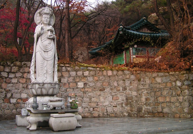 Kwan Seum Bosal  is the bodhisattva of compassion